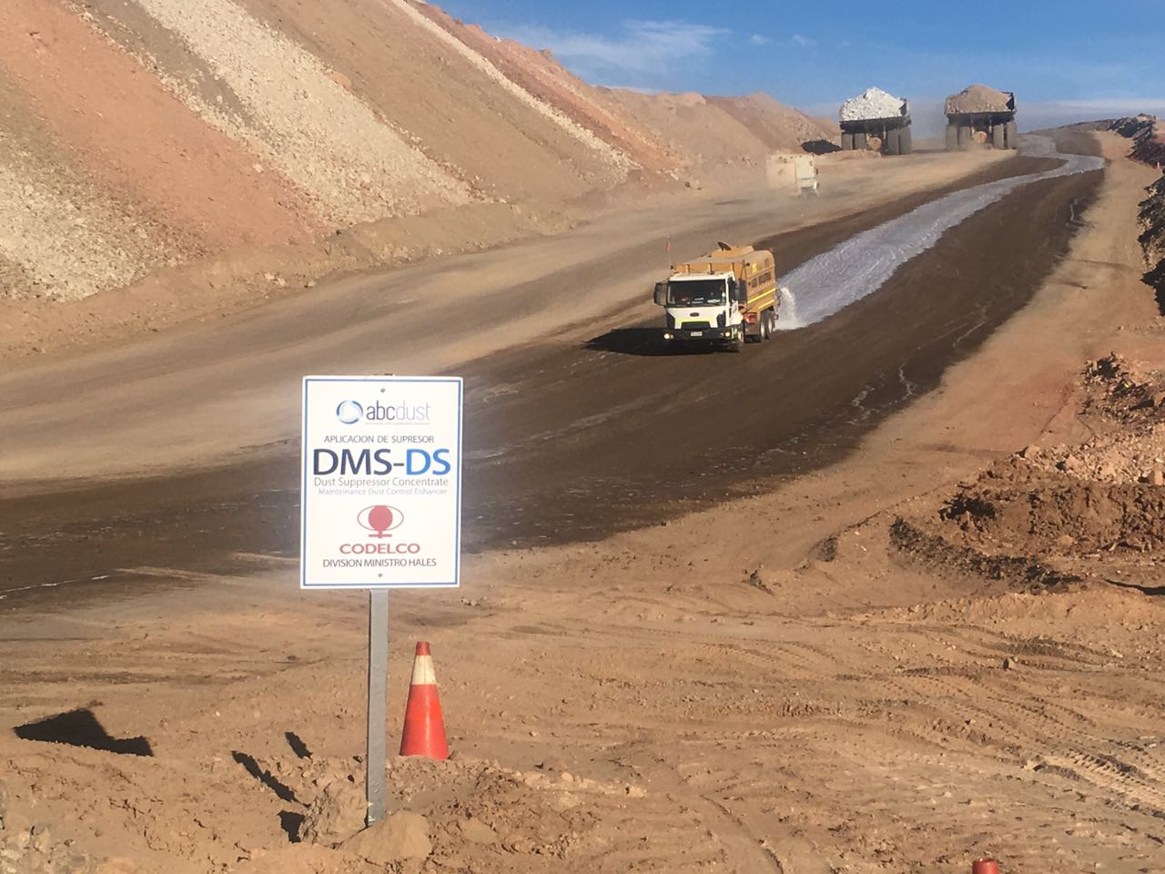 dust controlling a mining road